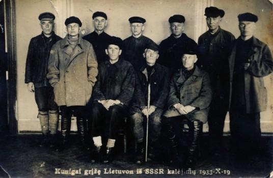 2-vyskupas-t-matulionis-grizes-is-rusijos-kalejimo-1933